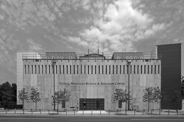 The front of the Illinois Holocaust Museum & Education Center. Images courtesy of Stanley Tigerman, Tigerman McCurry Architects, Ltd.