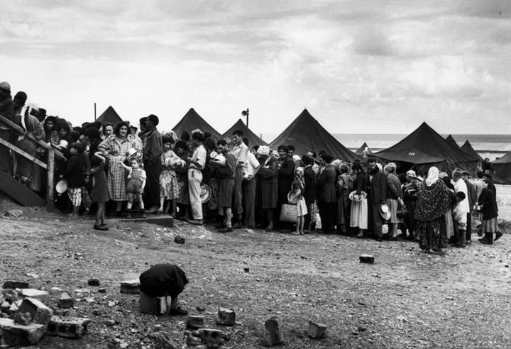 Sha'ar Ha'aliya Absorption Camp, Haifa, 1950. Photograph by Robert Capa. © International Center of Photography. Courtesy of Magnum Photos