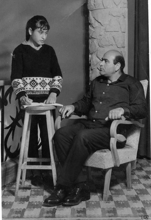 Rivka Askenazi recording her father. Courtesy of the Israel Folktale Archives named in honor of Dov Noy (IFA) at the University of Haifa.