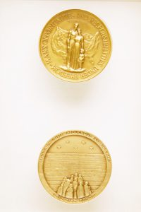 Medallion created to commemorate Tercentenary. Courtesy of the Jewish Historical Society of Greater Washington.