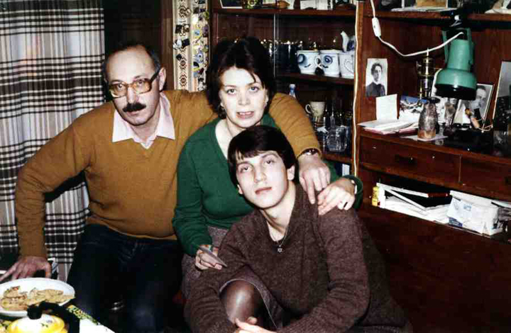 The author with his parents, David Shrayer-Petrov and Emilia Shrayer, Moscow, Fall-Winter 1985–86. Courtesy of the Shrayer Family Archive.
